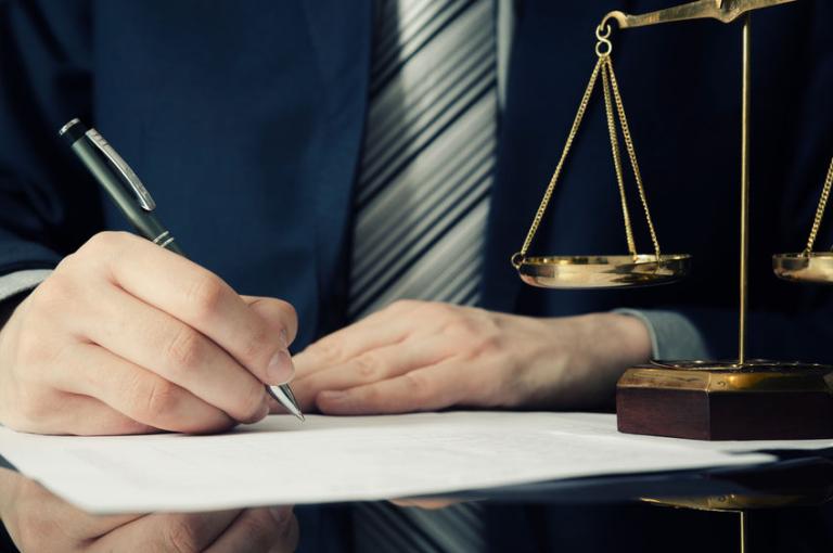 Juristen kunnen niet schrijven